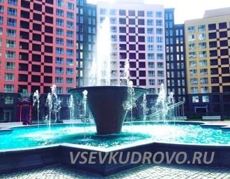 Площадь с фонтаном Кудрово