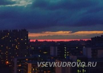 Кудрово ночью Пражская улица