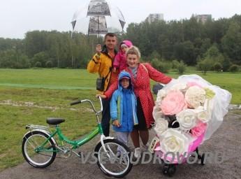 Парад колясок 2018 Кудрово Цветочная тема